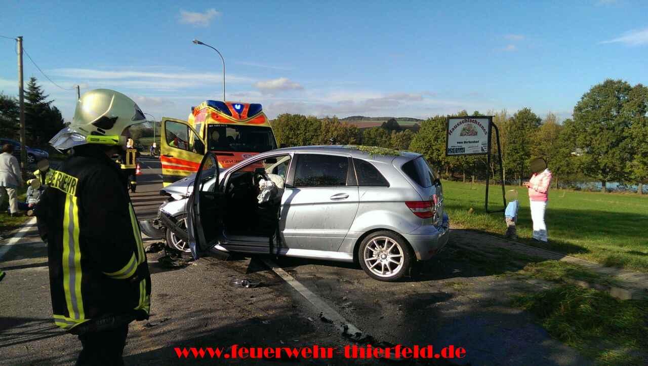 Einsatz 22: Verkehrsunfall mit eingeklemmter Person
