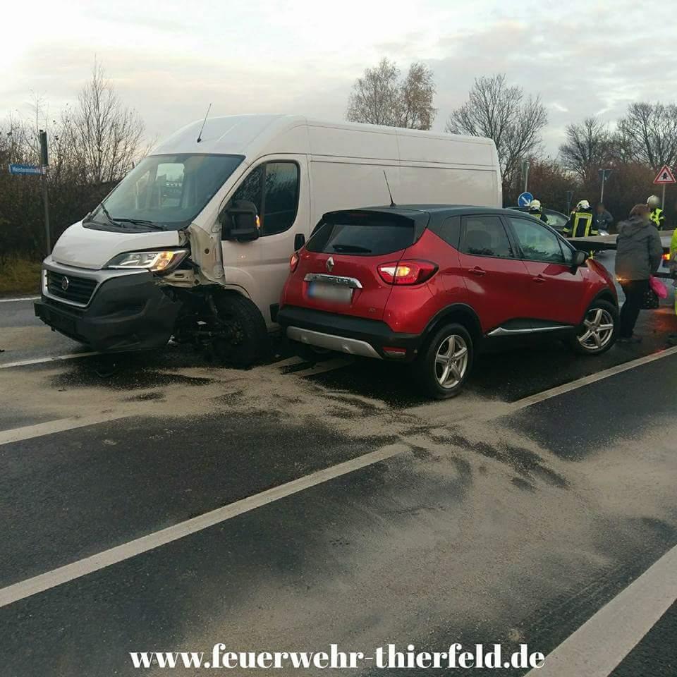 Einsatz 20: Verkehrsunfall mit auslaufenden Betriebsmitteln.
